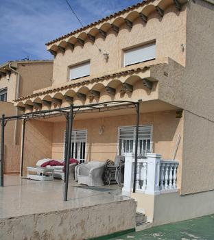 5 bedroom Semi detached in La Nucia