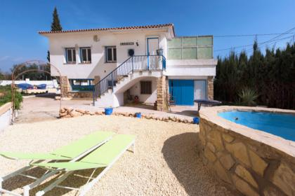 Detached villa on two floors in La Nucia