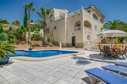 5 bedroom Villa in Altea